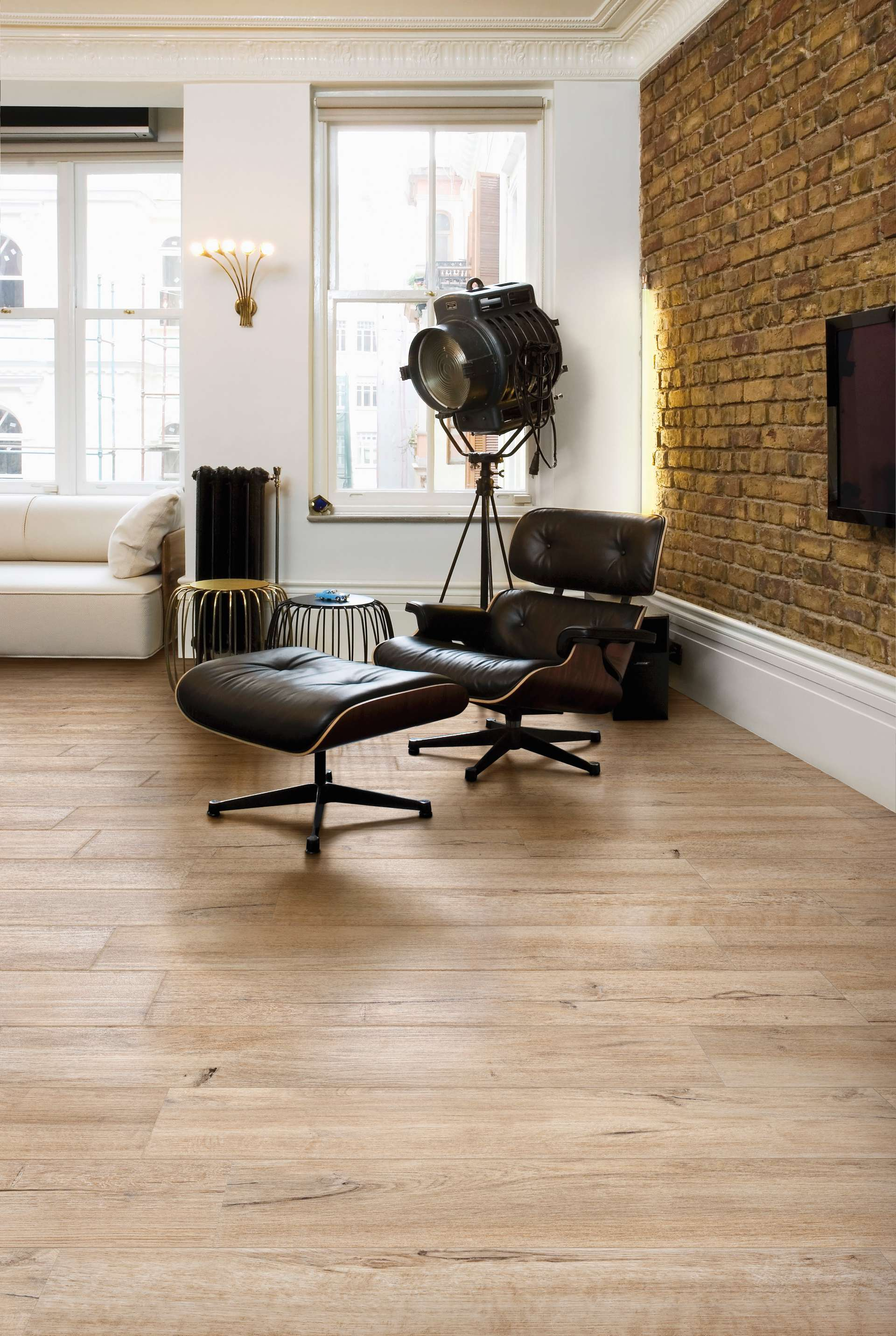 Hos tilesrus hittar ni klinker med trä struktur till bästa pris!