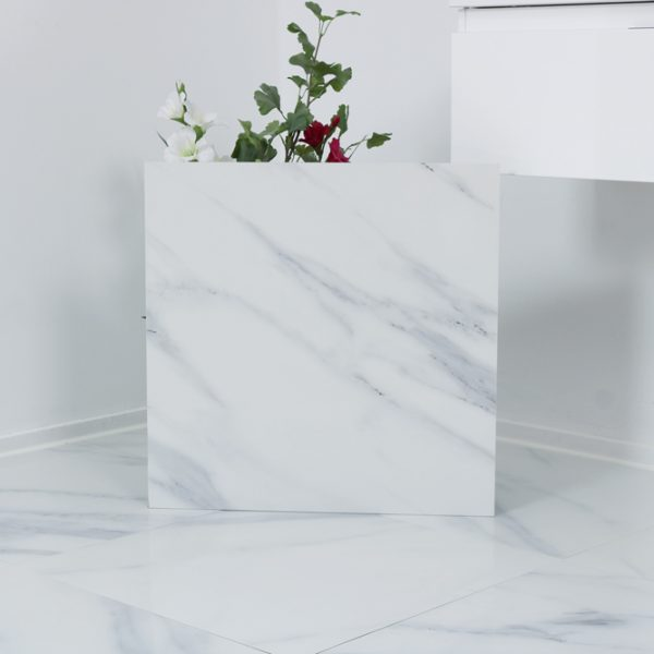 vit polerad marmorliknande klinker