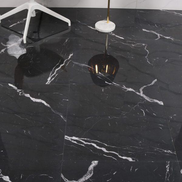 svart blank, marmorliknande klinker